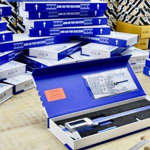 Hộp bằng carton, nắp có nam châm cho mỗi loại thước
