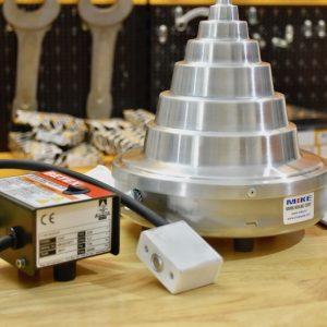 Bộ điều khiển nhỏ gọn trên máy gia nhiệt bạc đạn CHC