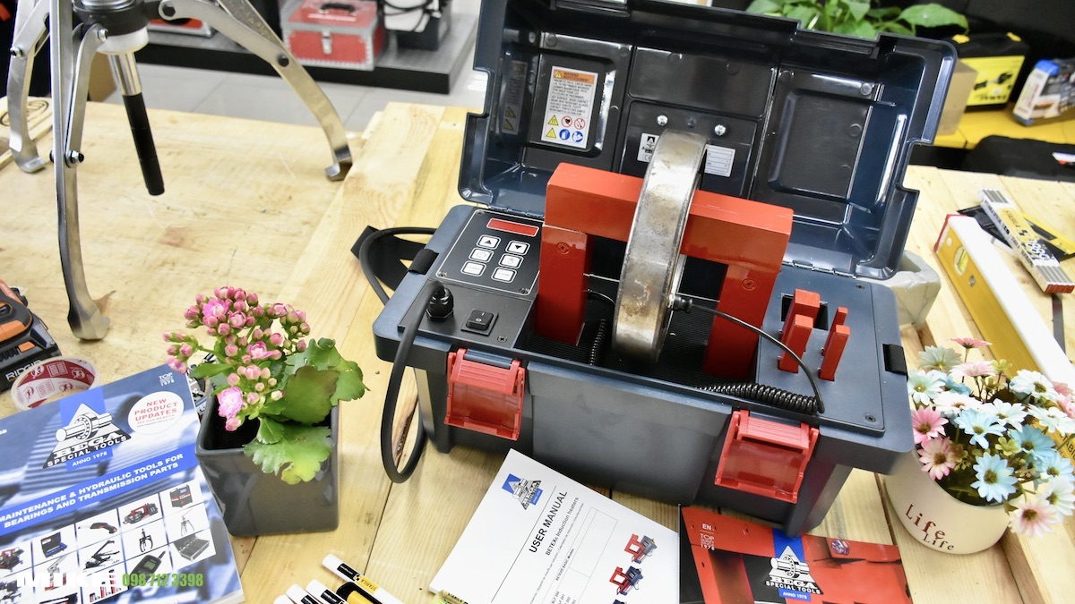 Máy gia nhiệt vòng bi loại xách tay BLF200