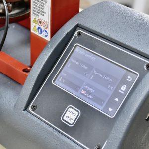 Màn hình chạm touch screen trên máy gia nhiệt vòng bi SLF301