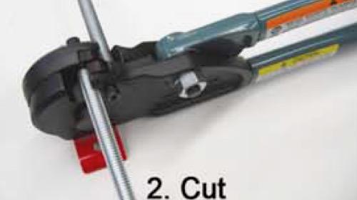 Bước thứ 2 để cắt thanh ren MCC