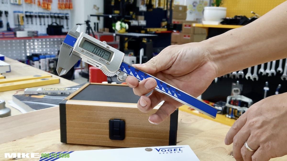 Thước kẹp điện tử 150mm Vogel Germany 202040