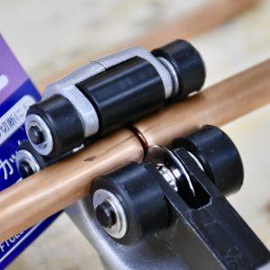 Vết cắt bén gọn khi dùng dao cắt ống FTC