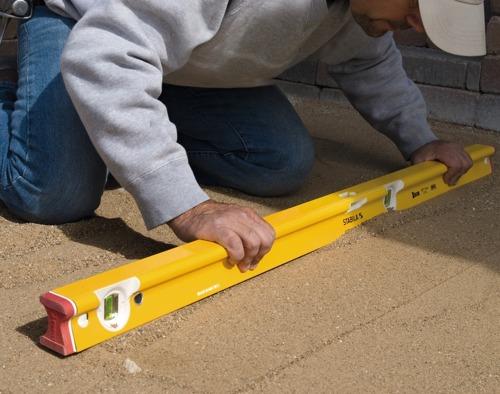 Kết cấu chữ R dễ cầm nắm của Nivo thợ xây
