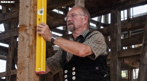 R300 nivo cân bằng chuyên dùng cho thợ xây, làm mộc