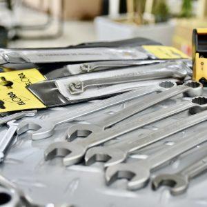 Cờ lê inox dùng trong môi trường hóa chất, phòng sạch.