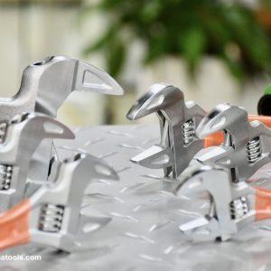 6 loại mõ lết ngàm rộng cán ngắn bọc nhựa MCC Japan