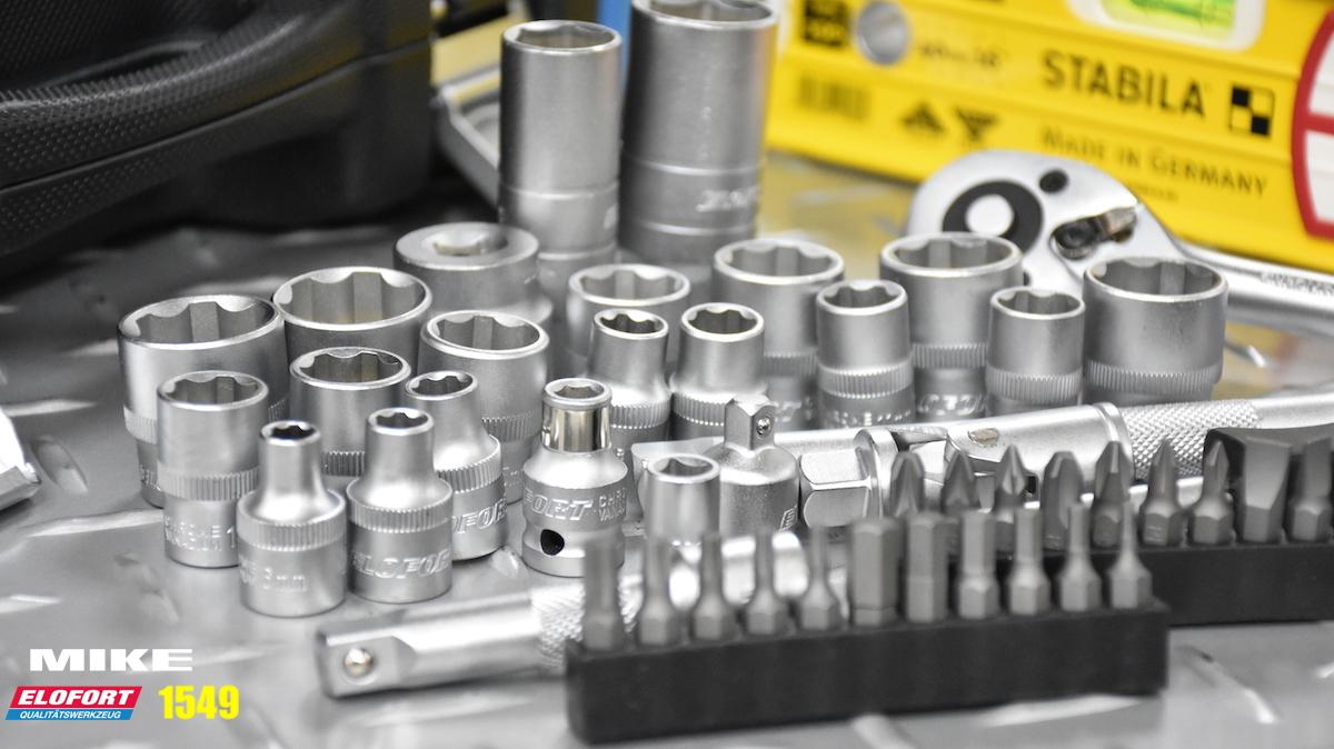 Các đầu chụp và vít trong bộ khẩu 49 chi tiết ELOFORT