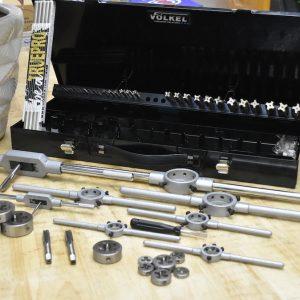 49251 là bộ dụng cụ làm ren từ M3 đến M20 của Volkel