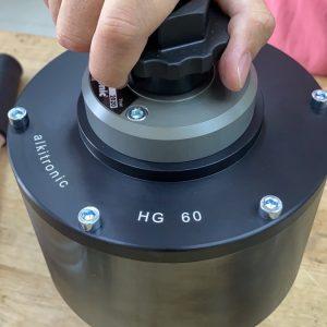 Đai xiết bằng tay trên bộ nhân lực HG60