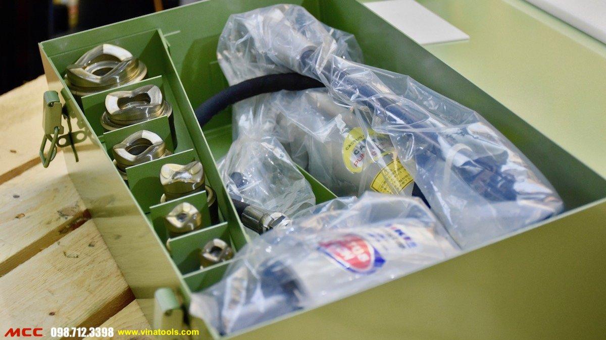 Đóng gói trong vali chuyên dùng MCC - SKP