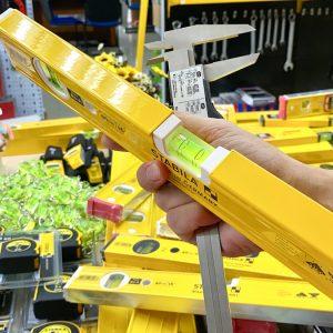 Thước thuỷ cơ 40cm 2 bọt thuỷ khung nhôm sơn tỉnh điện màu vàng Stabila