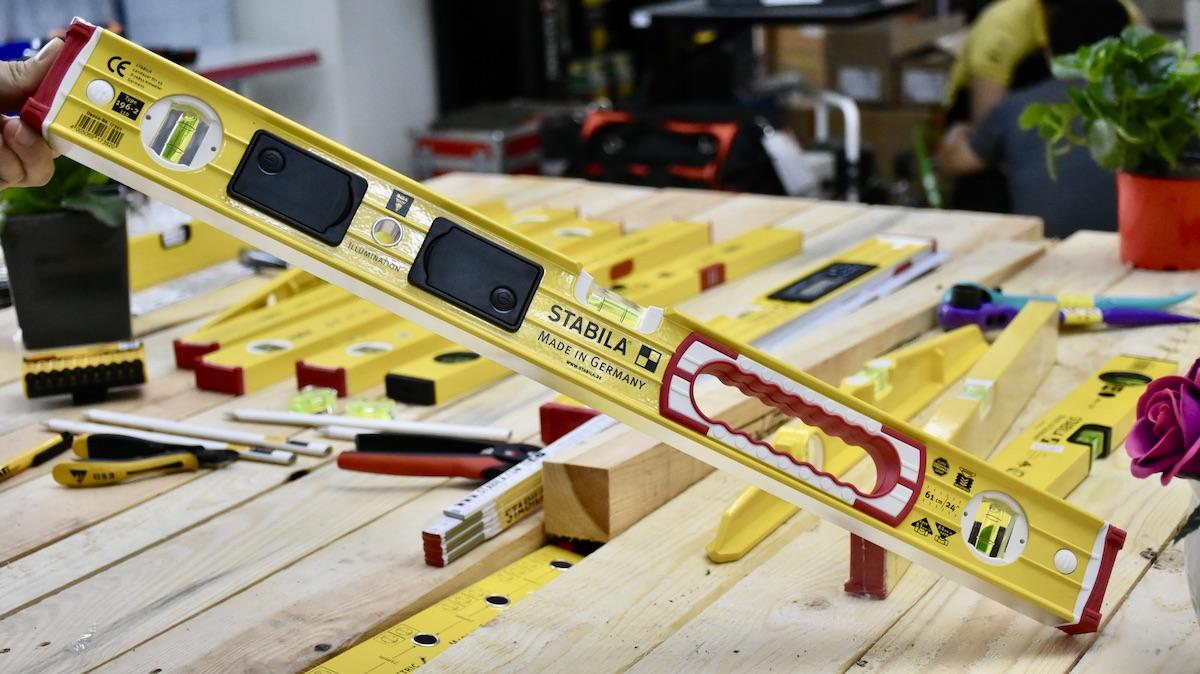 Nivo cân bằng 61cm có đèn LED - STABILA Germany.