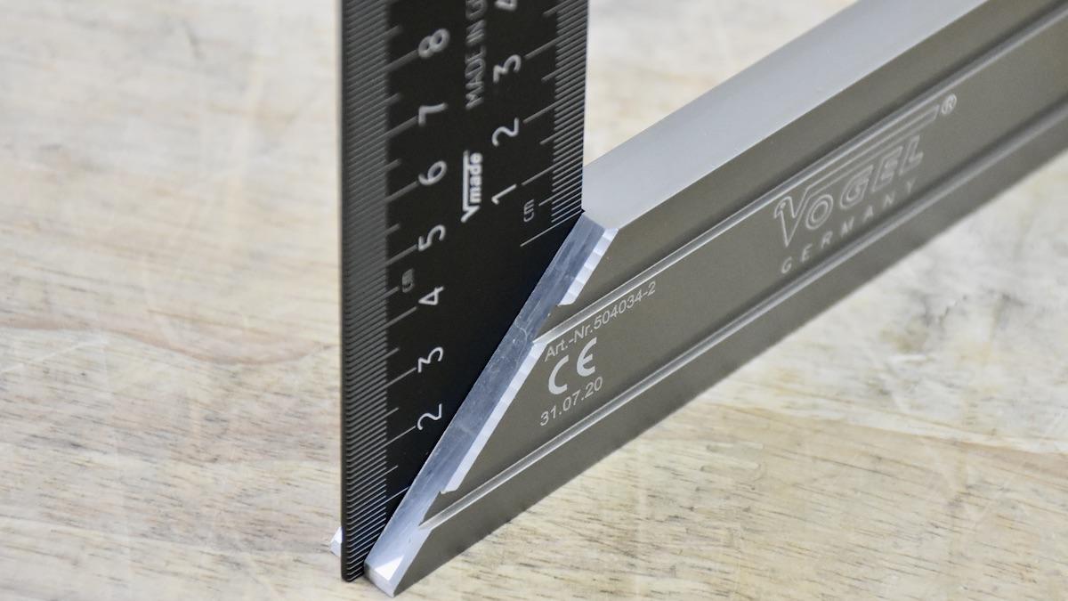 Thước eke có cắt góc 45 độ, hợp kim nhôm cao cấp