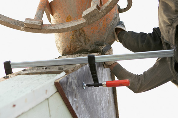 TGK Heavy duty screw clamp with wooden handle 2