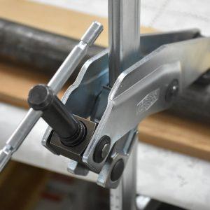Tay quay chữ T bằng sắt được chuyển ra sau của cảo chữ F bản GRA