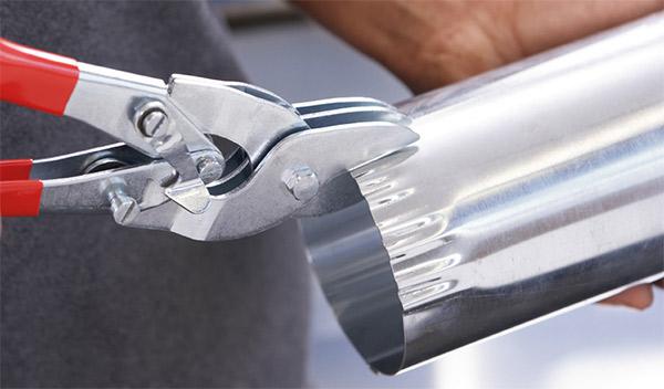D36 Kéo cắt tôn mũi thẳng, ngàm cắt sâu 28mm Bessey
