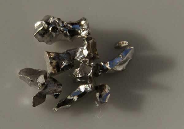 Iridium là gì? Giá của Iridium