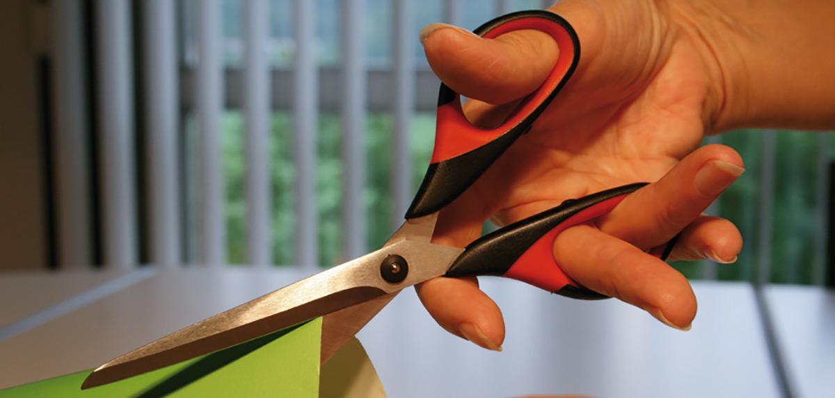 kéo cắt giấy vải d821