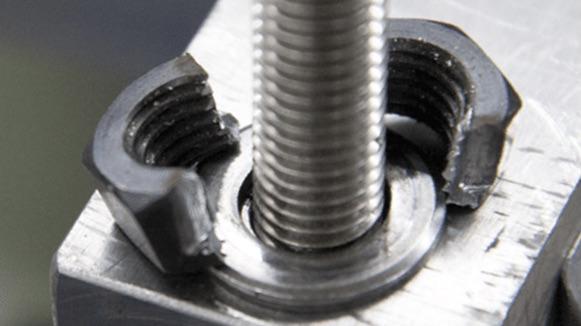 Hoàn thành thao tác cắt đai ốc K-54-B. Kukko - Made in Germany